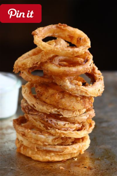 Spicy Buttermilk Onion Rings w/Buttermilk Ranch Dressing - Onion rings remind me of George Clooney. Always. (Such a weird sentence eh?! Well its true. They do.) When I was in college in North #delicious #diy #Easy #food #love #recipe #recipes #tutorial #yummy @mabarto - Make sure to follow cause we post alot of food recipes and DIY we post Food and drinks gifts animals and pets and sometimes art and of course Diy and crafts films music garden hair and beauty and make up health and fitness…