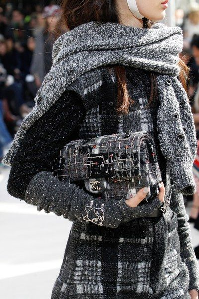 A detailed look at the Chanel Fall 2016 fashion show ♕BOUTIQUE CHIC♕