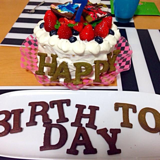 息子の誕生日♥️リクエストはいちごとポケモンXYの赤と青‼︎クッキーにアイシング頑張ったょo(>ω<*)oポケモンの名前分からない〜 - 5件のもぐもぐ - Xmas✩ポケモンXY✩BirthDayキャラケーキ✩ by tomo