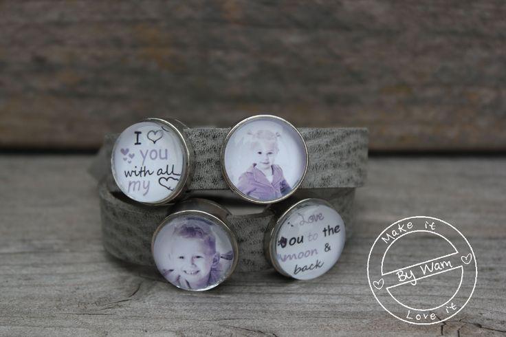 Mooie armband van leer met 4 foto en/of tekstsliders. € 33,95 http://www.bywam.nl/