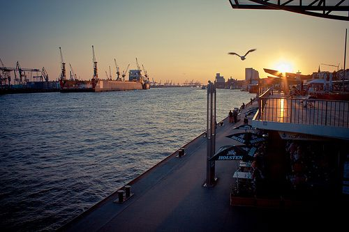 #Landungsbrücken in #Hamburg #EuropaPassage #EuropaPassageHamburg #Moin #welovehh