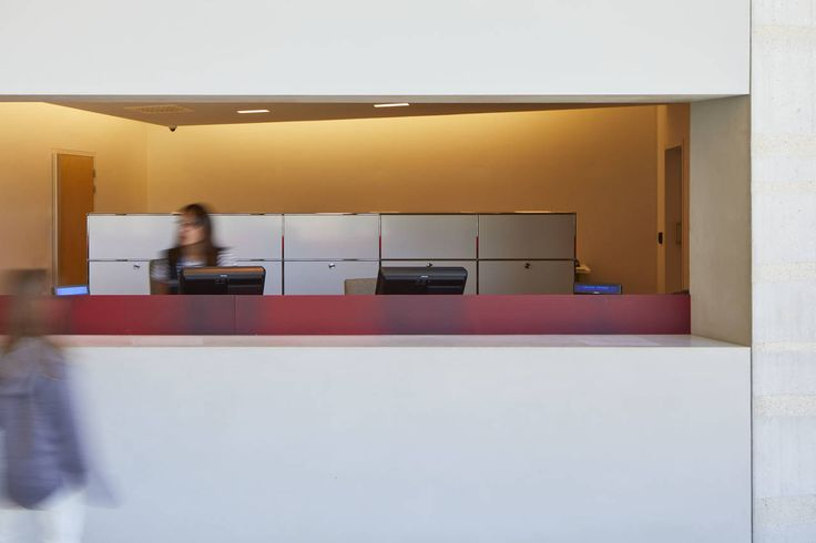 Uffici Centre International de l'Art Parietal Montignac gli architetti degli studi Snøhetta e SRA hanno optato i sistemi di arredamento modulare USM Haller  ©Christophe Glaudel