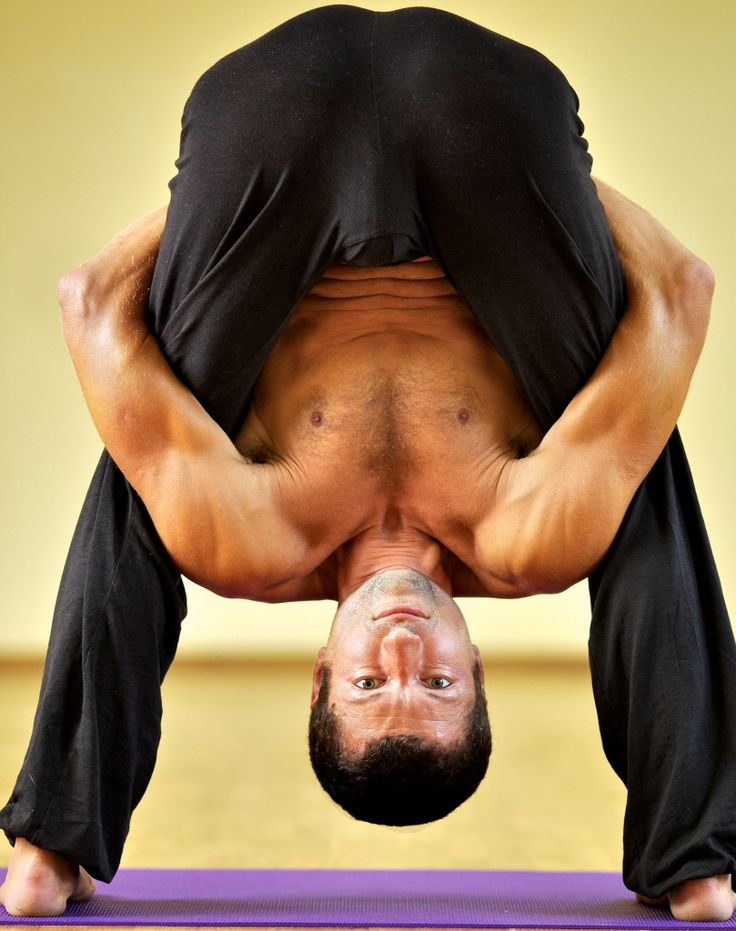 Oleg Diachenko, hatha yoga teacher in Kiev who develop his system of spine rehabilitation based on Redcore. Read his profile and interviews at https://topyogis.com