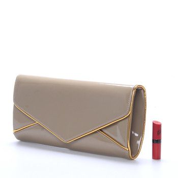 #Ambra Luxusní velké khaki psaníčko - večerní kabelka v lakovaném provedení. Ideální kabelka na plesy, recepce nebo do divadla. Je prostorná s malou kapsičkou na drobnosti uvnitř. Psaníčko má odnímatelný řetízek na karabinky, takže je možné jej nosit jak přes rameno, tak i v ruce. Pořiďte si tento módní doplněk ke svému outfitu!