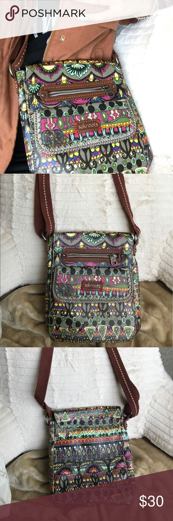 Sakroots Crossbody bag 💓 Super cute and practical cross body bag. Fun pattern for spring and great for festivals! 5 roomy pockets/compartments and built in credit card/ ID holder. Never been used before!  Bought originally from Nordstrom Bags Crossbody Bags