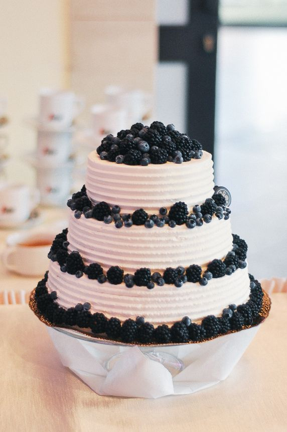 Elite Wedding cake made by Melba & photographed by Natalia Korta