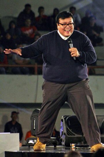 Stage runner, Sammy at Stand-up Comedy Festival 2014, Tennis Indoor, Senayan, Jakarta