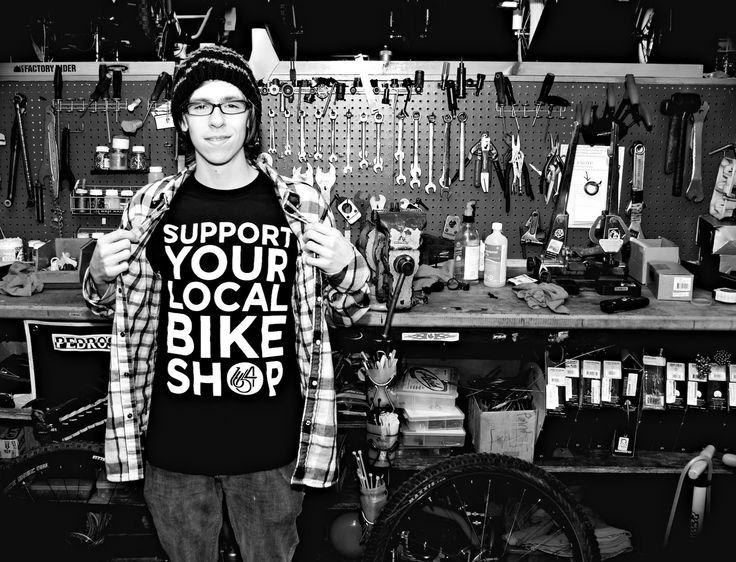 Support your local bike shop, everybody! What a creative idea. http://trackosaurusrex.com/pblog/index.php?m=12=11=entry111212-125932
