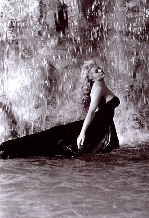 ✖ Anita Ekberg in La Dolce Vita (1960, dir. Federico Fellini) - someone once told me I looked like her - best compliment