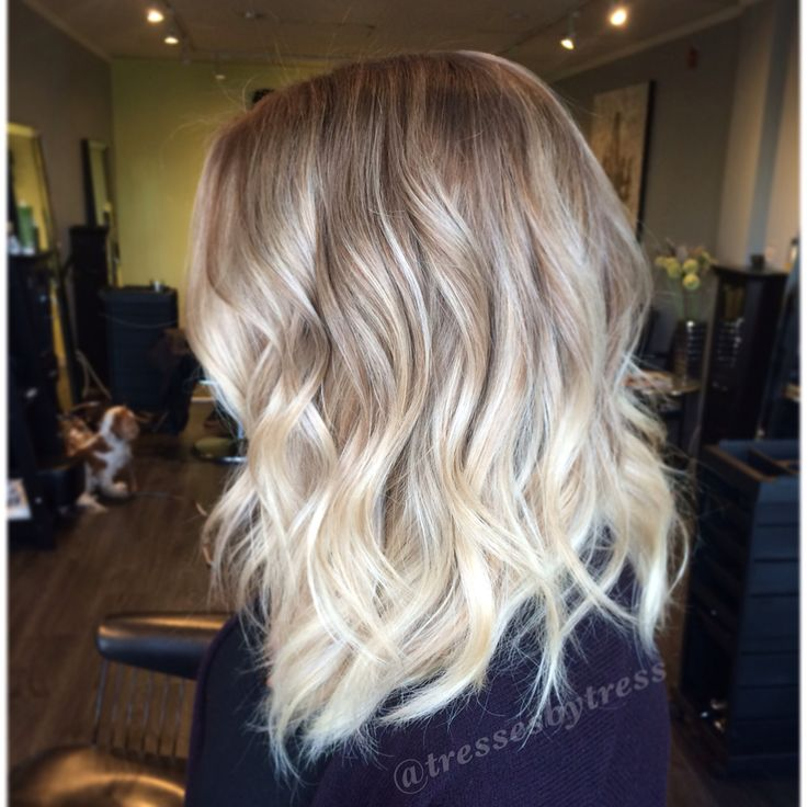 Platinum blonde balayage ombre. Textured lob haircut