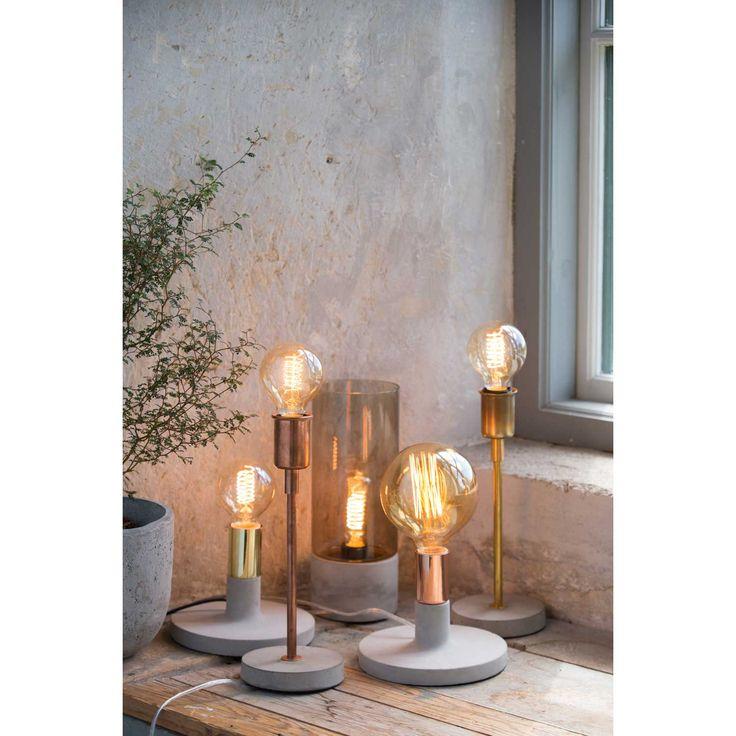Albin Gray bordslampa i gruppen Belysning / Lampor / Bordslampor hos RUM21.se (131591)