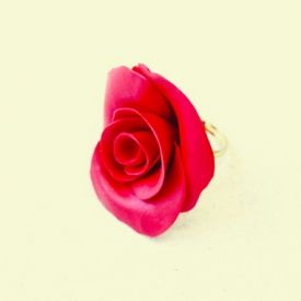 Make this DIY rose ring using polymer clay in half an hour.