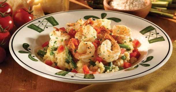 Olive Garden Shrimp and Asparagus Risotto - Shrimp. Asparagus. Risotto. An easy way to make an Olive Garden favorite at home. #asparagus #shrimp #risotto, #olivegarden #italian