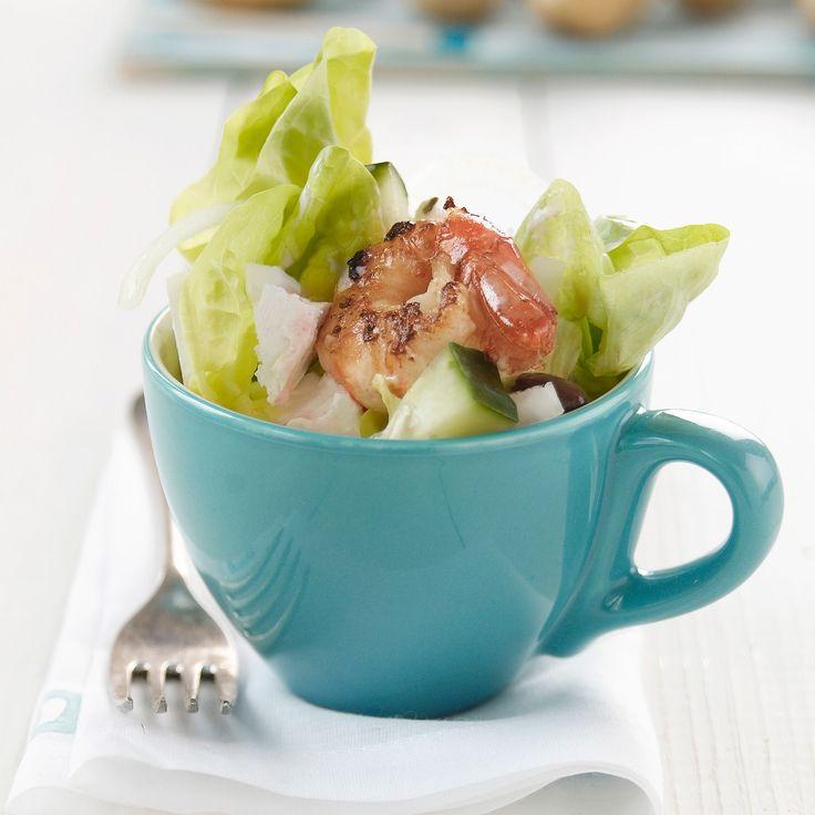Découvrez la recette de la salade aux crevettes et feta