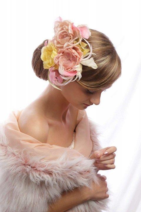 Ružovo-žlté kvety do vlasov K2 - Svadobný salón Valery