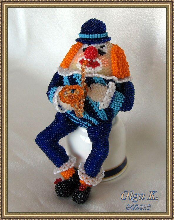 Клоун - саксофонист
