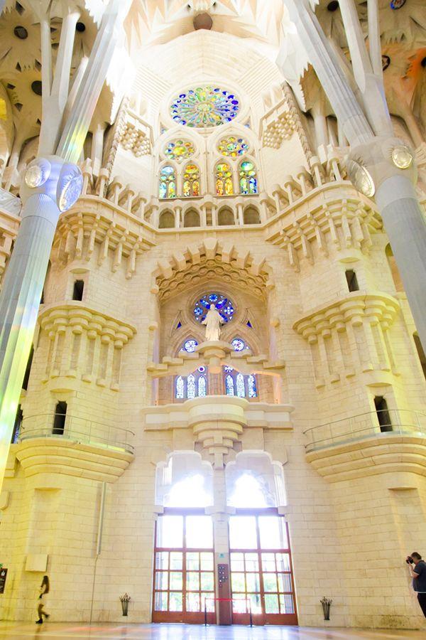 サグラダ・ファミリア The interior of the Sagrada Família