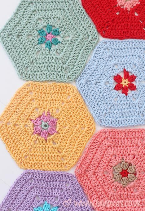 CROCHET: THE BEGINNINGS OF A BLANKET