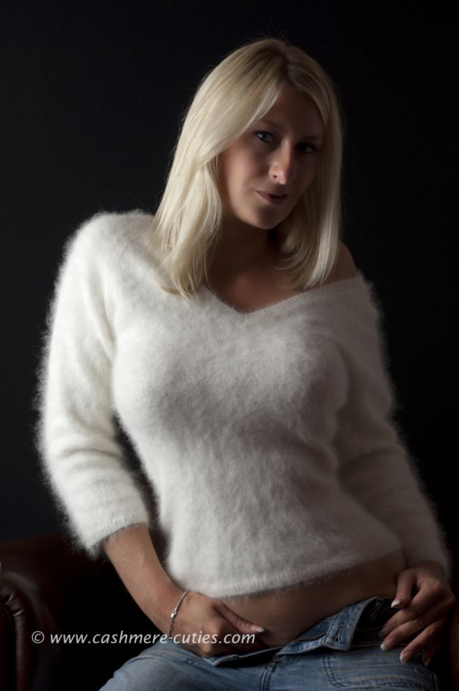 78+ images about Women in sweaters that turn me on on ...