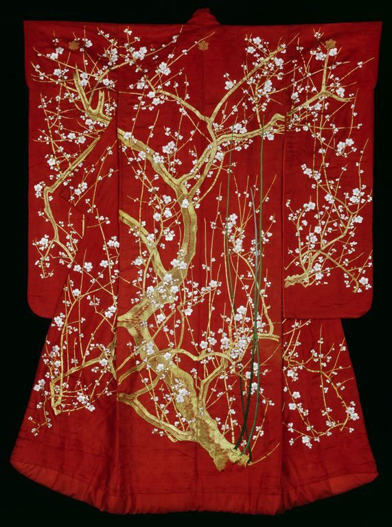 Furisode, Late Edo period (1789–1868), 19th century Silk, 4:1 satin damask weave (rinzu); embroidered with silk and gold-leaf-over-lacquered-paper-strip-wrapped silk in satin stitches; laid work and couching, and padded couching; lined with silk, plain weave 183.8 x 128.8 cm (72 1/4 x 50 3/4 in.). First the edges of the trunk were padded with a heavy thread; then, over this padding, gold-wrapped thread was couched with red silk thread.The Art Institute of Chicago