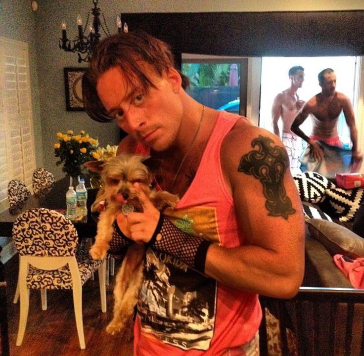 (3/7) Enzo Amore (normal! mds) e seus catioros/dogs