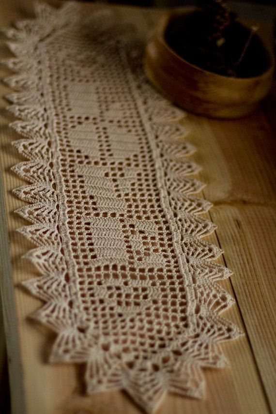 Rustic wedding decor pinterest 39 te hakk nda en iyi 13 g r nt filet crochet danteller ve d n Crochet home decor pinterest
