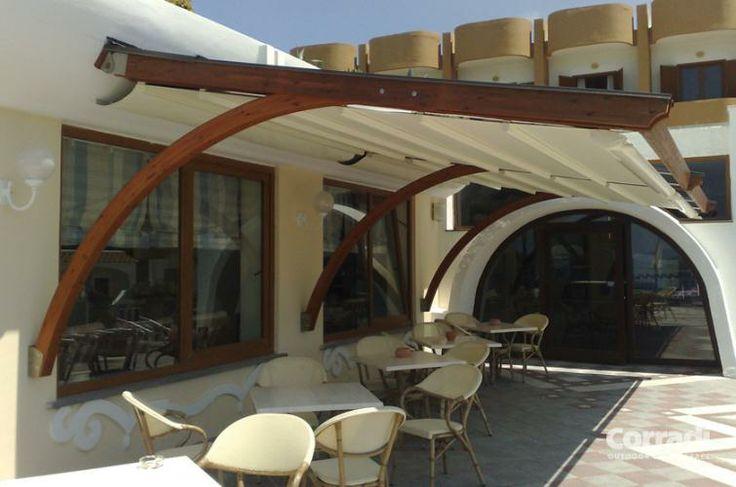 Pergolati - pergotenda Arko  - un pergolato dal design innovativo - Centro Tende