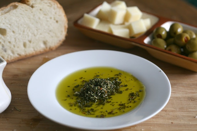 Herb and Olive Oil Dip | Hors d'oeuvres, Crudites, Dip anyone? | Pint ...