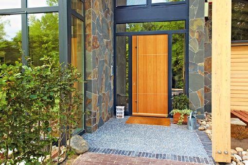 Homeplaza - Energieeffiziente Holzhaustüren überzeugen in allen Belangen - Für ein Zuhause mit unverwechselbarem Charakter