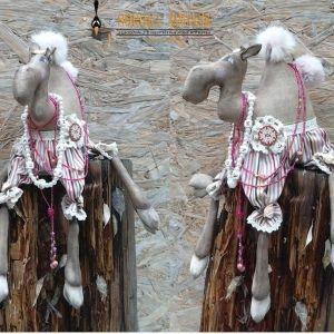 Шьем доброго и смешного верблюда в технике грунтованный текстиль   Анастасия Голенева