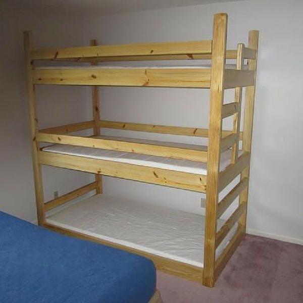 les 25 meilleures id es de la cat gorie lit triple superpos ikea sur pinterest lits. Black Bedroom Furniture Sets. Home Design Ideas