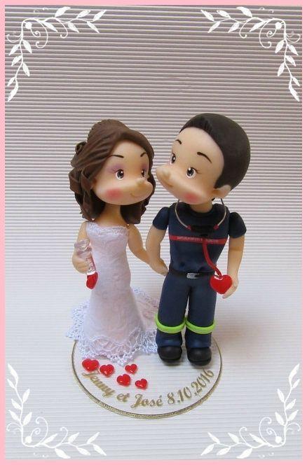 La mariée qui est assistante médicale, voulait que je la représente une seringue à la main. Et le marié en sapeur-pompier ambulancier :) ...