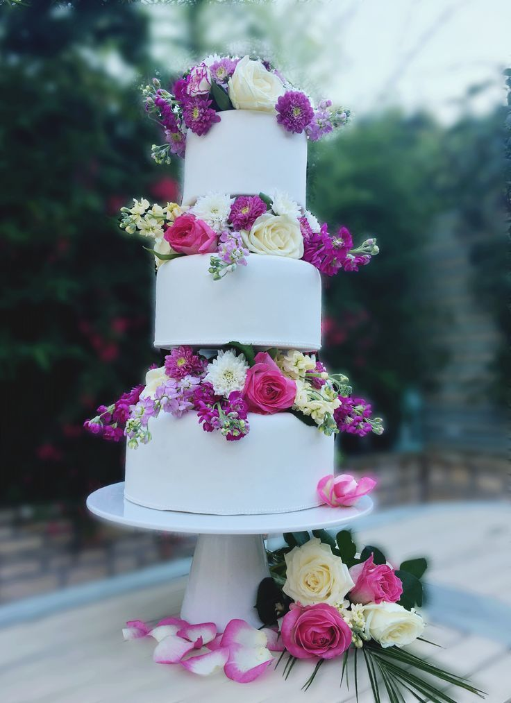 45 best engagement wedding anniversary cakes images on pinterest the cake lab bakery ranelagh dublin ireland 3 tier white wedding cake with fresh flowers junglespirit Image collections