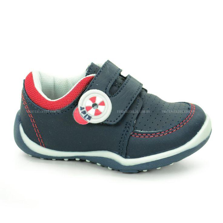 Tenis Kidy, Confeccionado em Material Alternativo em Marinho com detalhe vermelho.Conforto e segurança é o que os pequenos precisam ter, e este é o modelo ideal!