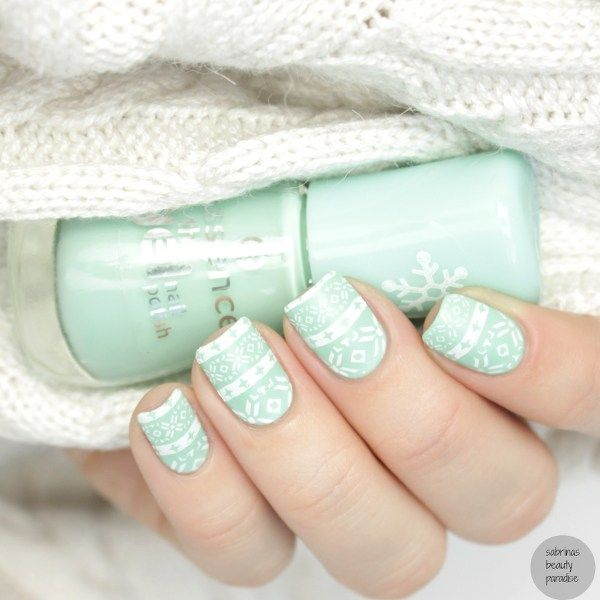 Essence Play with my Mint Nailpolish + Bornprettystore BPX-L008 Sweater Stamping with Matte Top Coat mint winter nails  #stamping #nailitdaily