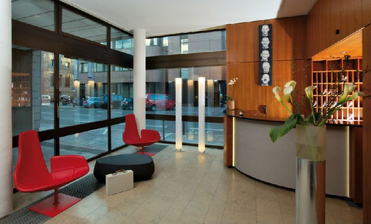 Art  Businness Hotel | Art  Design Hotel | Germany | http://lifestylehotels.net/en/art-business-hotel | reception, entrance, view
