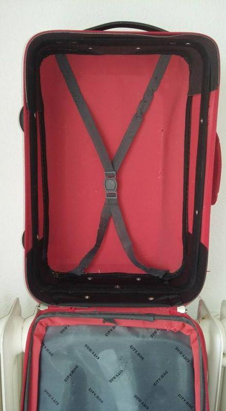 valise à roulette longueur 46cm largeur 32 profondeur 15. Location petite valise à roulette Romans-sur-Isère (26100)