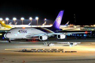 Airbus A380-800 Thai Airways, Airbus A380-800 Thai Airways Night Taxiing,