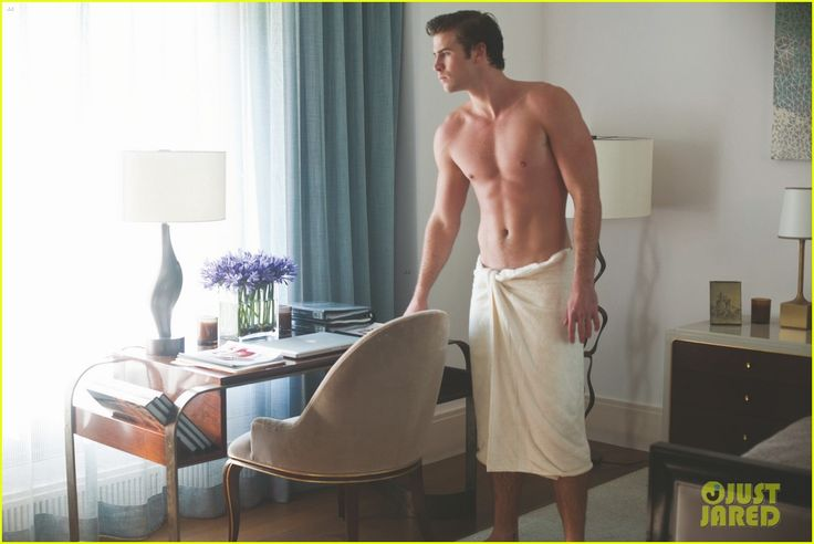 Liam Hemsworth: Shirtless in a Towel for 'Paranoia'! | liam hemsworth shirtless in a towel for paranoia 02 - Photo