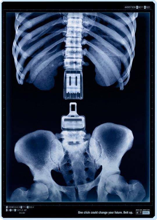 One click could change your future. Belt Up. Una buena campaña de publicidad australiana para fomentar el uso del cinturón de seguridad. Un click puede cambiar tu futuro. Abróchatelo #1