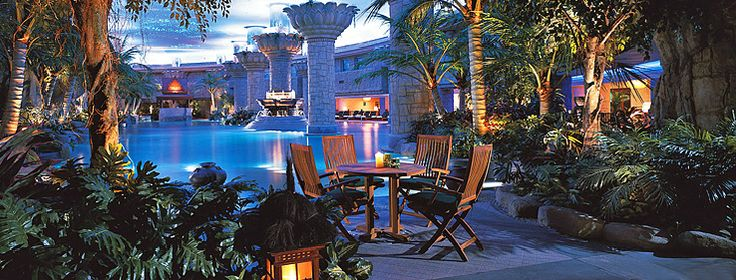28 best elite luxury swimming pools images on pinterest beautiful places luxury pools and for Grand hyatt beijing swimming pool