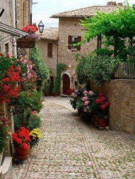 Montefalco, Italy (63 pieces)