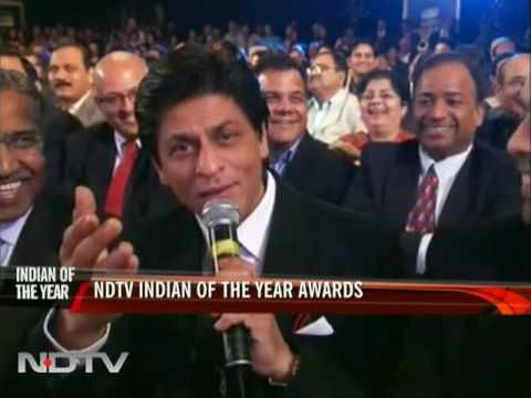 NDTV awards: SRK sings to Priyanka Chopra