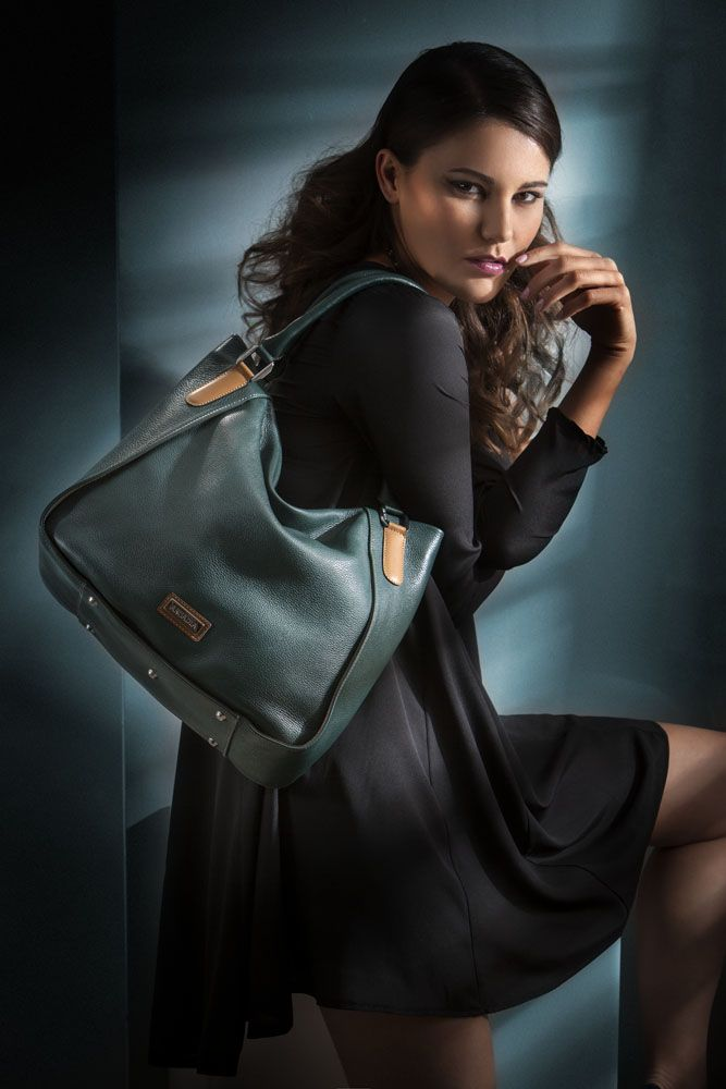 sporty style with this emerald green in your hands! http://shop.arcadiabags.it/