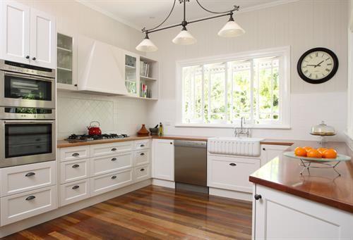 Colonial ,Queenslander , Kitchen , Design , Brisbane , Timber Kitchen Benchtops , Shaker Style Kitchen Doors