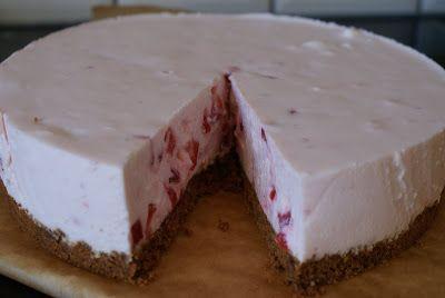 Nathalie's Foodblog: Aardbeienkwarktaart