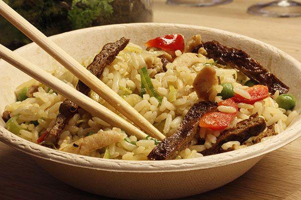 NASZEBAO to przytulne miejsce dla każdego kto pragnie przenieść się w Świat azjatyckich oryginalnych przypraw, świeżych ręcznie krojonych warzyw, wysokiej jakości produktów.  NASZEBAO to także wariacje kulinarne inspirowane oczekiwaniami naszych gości.