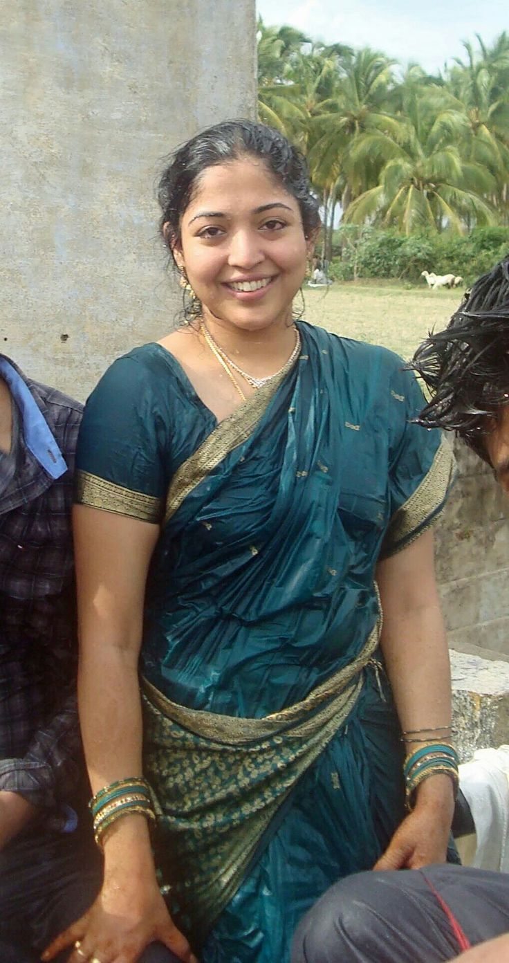 Homely Aunt Wet Saree In Farm Indian Photoshoot India