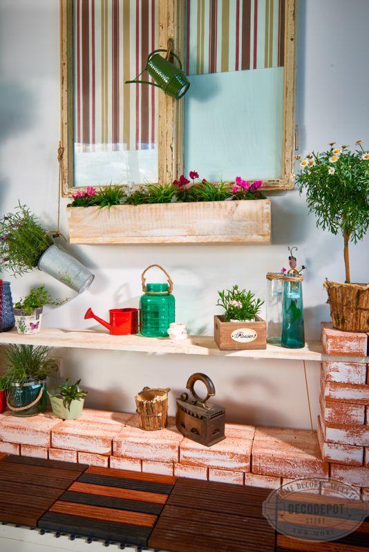 Secţia Garden DecoDepot. Ghiveci. Flori fel şi fel. Decoraţiuni de grădină. Pomişori. Seminţe. Ustensile de grădină. DecoDepot. Brasov. Garden section. Pots. Flowers. Tools. Seeds. Greenery. Garden. Decoratives.