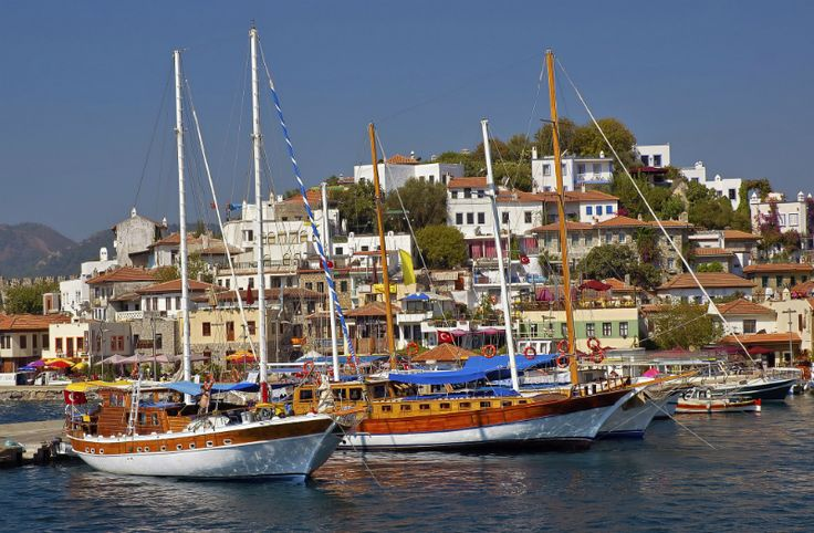 Marmaris is a popular holiday destination on the Turkish Riviera. Here are 10 exciting activities that will add great memories to your Marmaris holiday.